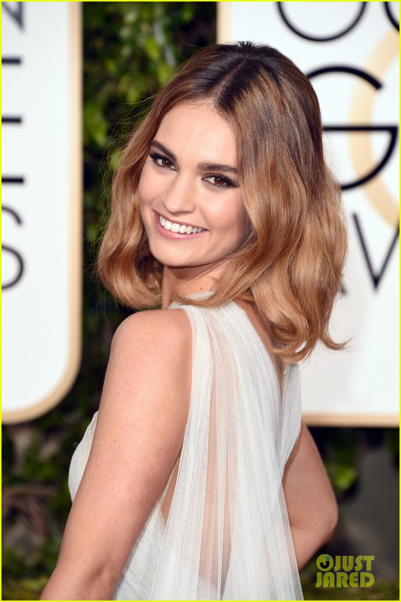 HELL WITH YOU IS PARADISE CAPITULO 11: Lily-james-joanne-froggatt-2016-golden-globes-04